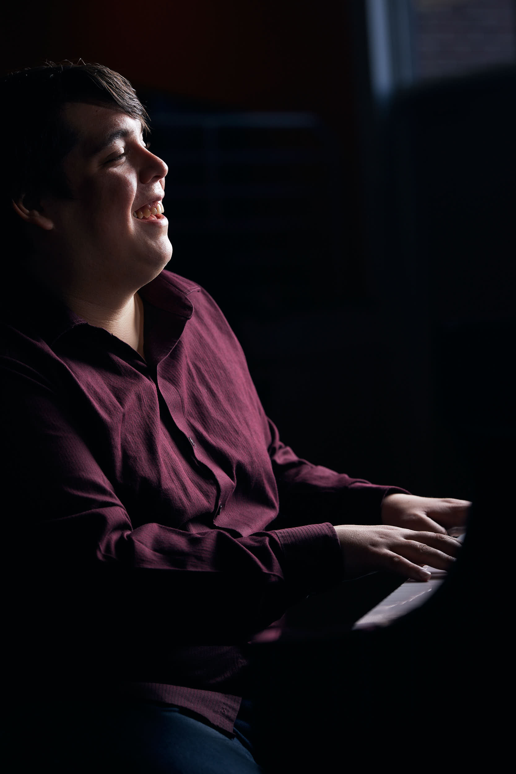 Diego Avilez plays piano.