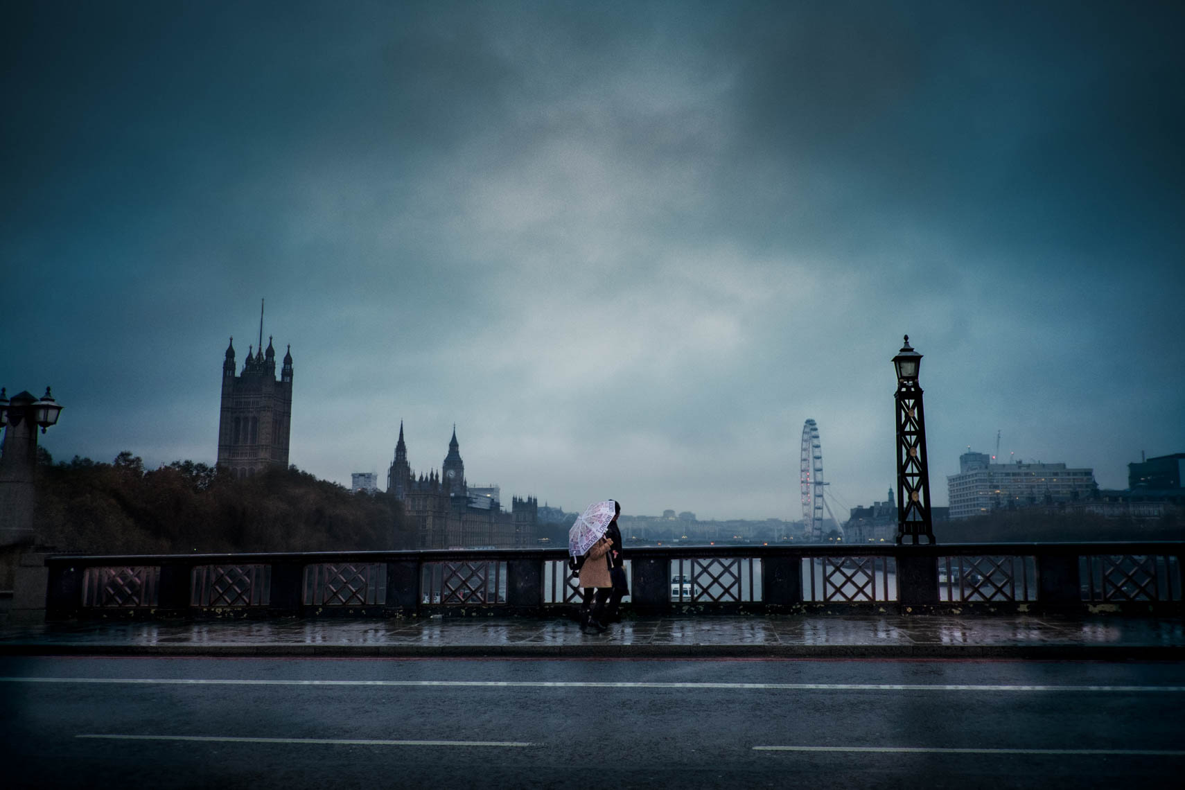 Couple at Lambeth bridge.